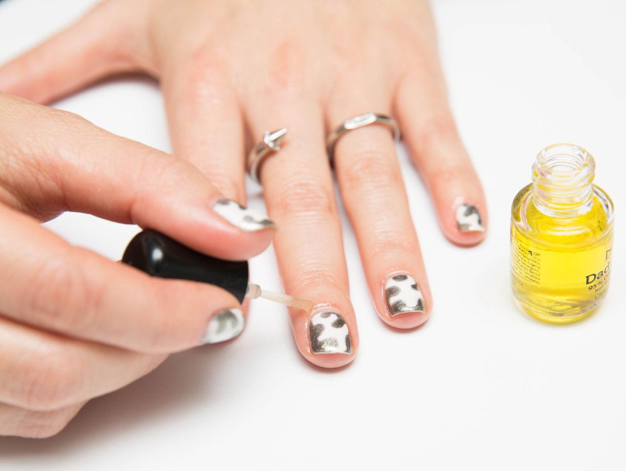 12-nail-oil