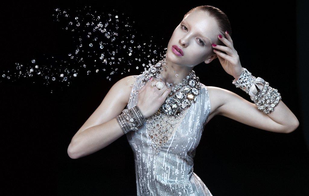 German-Vogue-Swarovski-Elements[1]