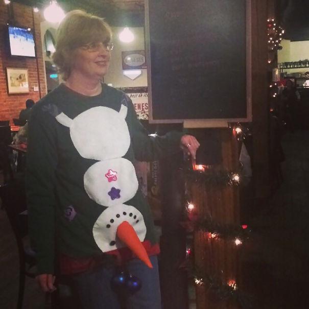 ugliest-christmas-sweaters-191__605