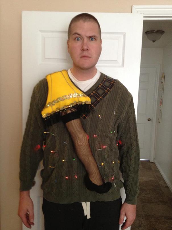 ugliest-christmas-sweaters-19__605