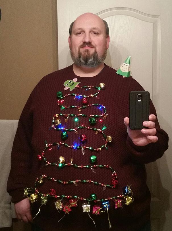 ugliest-christmas-sweaters-32__605