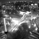ЕКСКЛУЗИВНО: Заловиха три автомобила с бежанци в центъра на Бургас, районът е отцепен