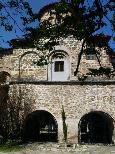 манастири в Бялгария